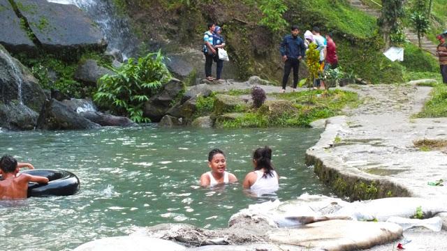 Kolam untuk anak-anak mandi di Air Terjun Bah Biak. /Dok. SeMedan.com