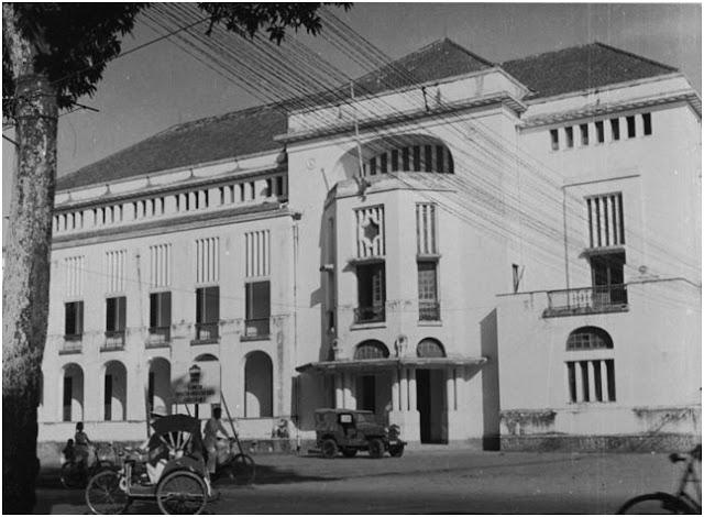 Het hoofdkantoor van de Deli Spoorweg Maatschappij (DSM)-Stasiun Kereta Api Medan