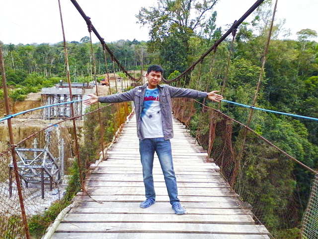Jembatan Gantung Lau Luhung, Durian Tinggung, Tanjung Raja