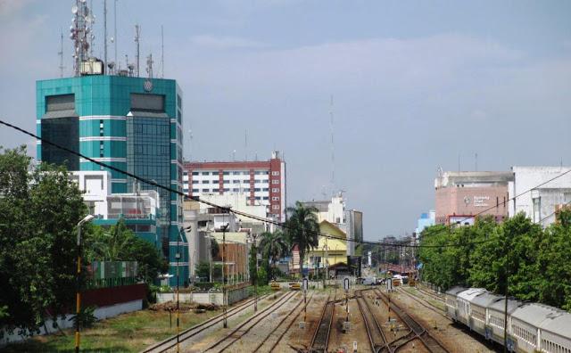 Lajur jalur rel dari Stasiun Kereta Api Medan menuju stasiun berikutnya seperti Medan Pasar, Aras Kabu, Rampah, Lima puluh, Tebing Tinggi, Kisaran, Pematang Siantar, Rantau Prapat