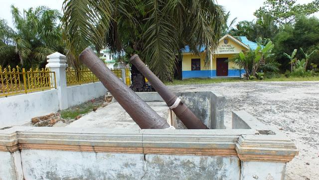 Istana Lima Laras, Tanjung Tiram Batu Bara