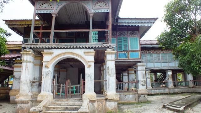 Istana Lima Laras, Tanjung Tiram, Batu Bara