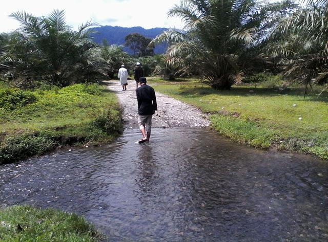 Masa rehat digunakan peserta petirahan untuk berjalan-jalan melihat keadaan sekitar