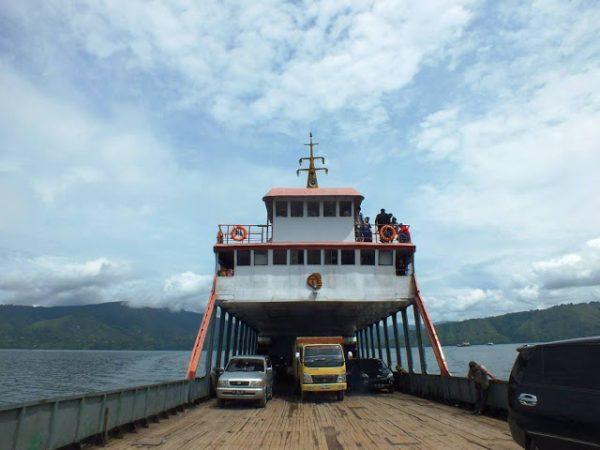Kapal Ferry Penyeberangan dari Ajibata – Parapat ke Tomok – Pulau Samosir