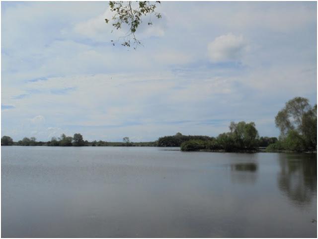 Ketenangan dan Keindahan Danau Siombak yang berada di Kelurahan Paya Pasir
