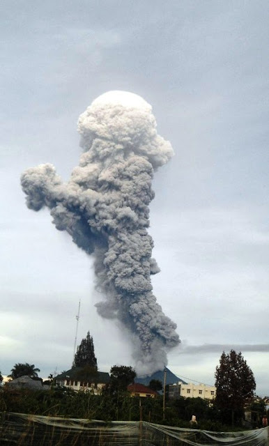 Gunung Sinabung 2016