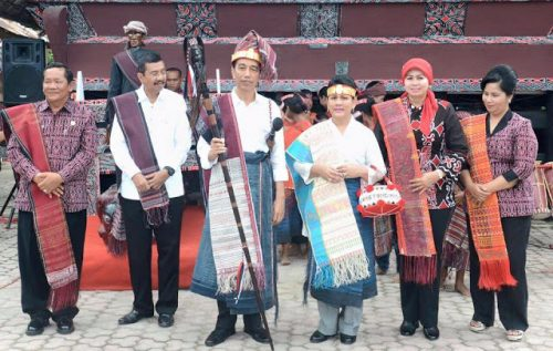 Jokowi Presiden RI yang Pertama ke Pulau Samosir Bukan Hoax tapi Sejarah