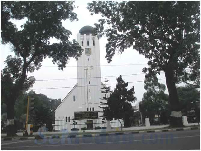 Kala Senja di Gereja Tua, GPIB Immanuel Old Church