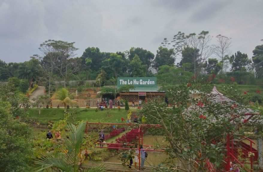 Taman The Le Hu Garden, Taman Bunga Deli Tua