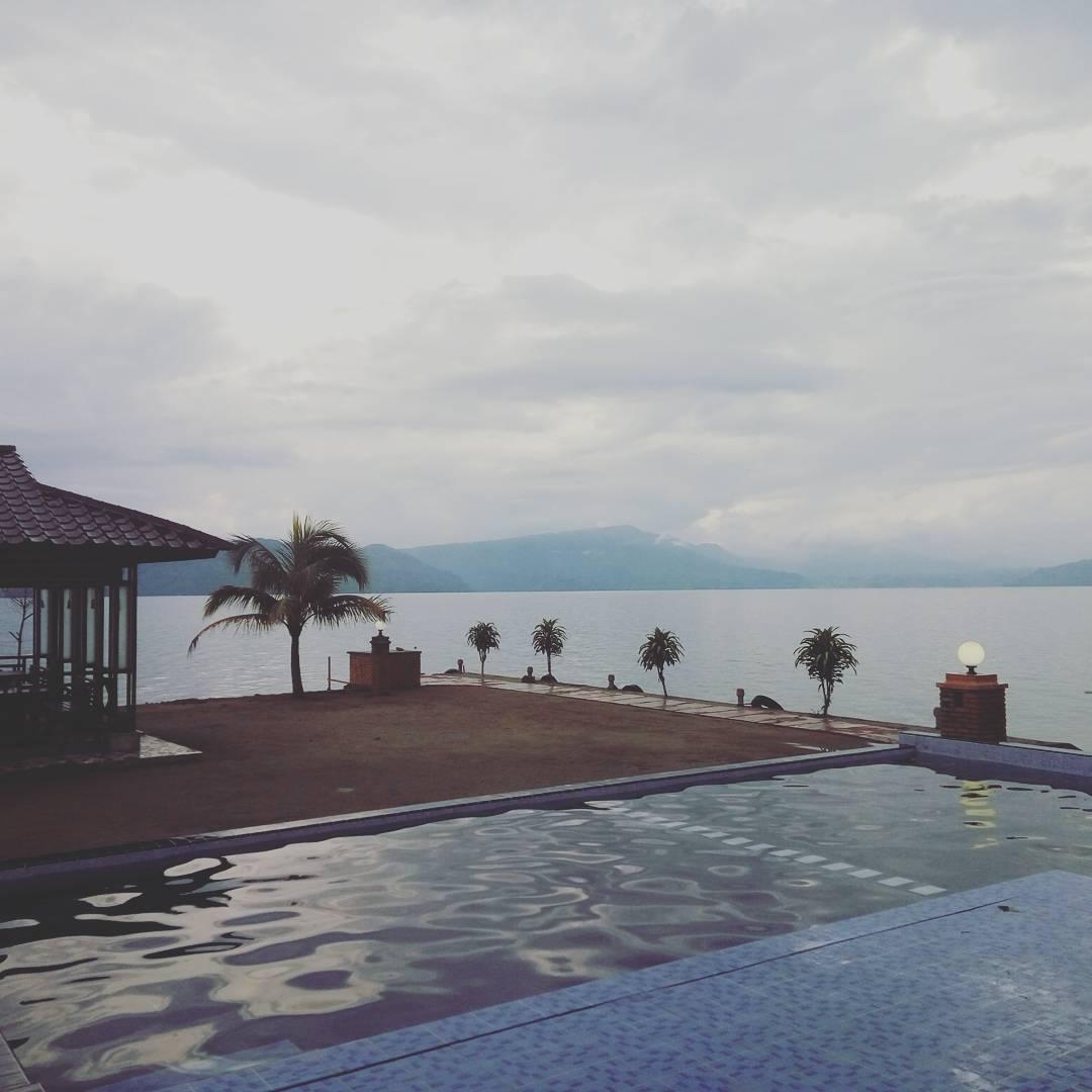 Rogate Beach Hotel Samosir