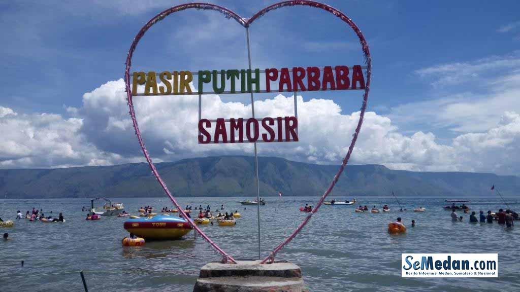 Pasir Putih Parbaba – Samosir