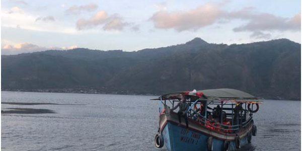 Keliling Danau Laut Tawar Naik Kapal Motor
