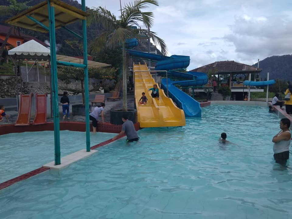 Kolam Waterboom Rindu Alam Resort