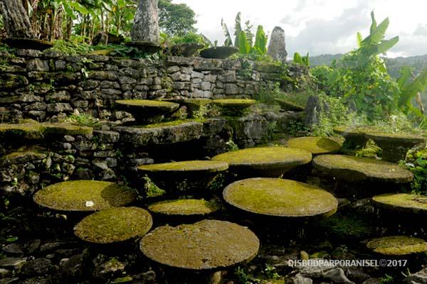 Situs Megalitikum Tetegewo Nias Selatan