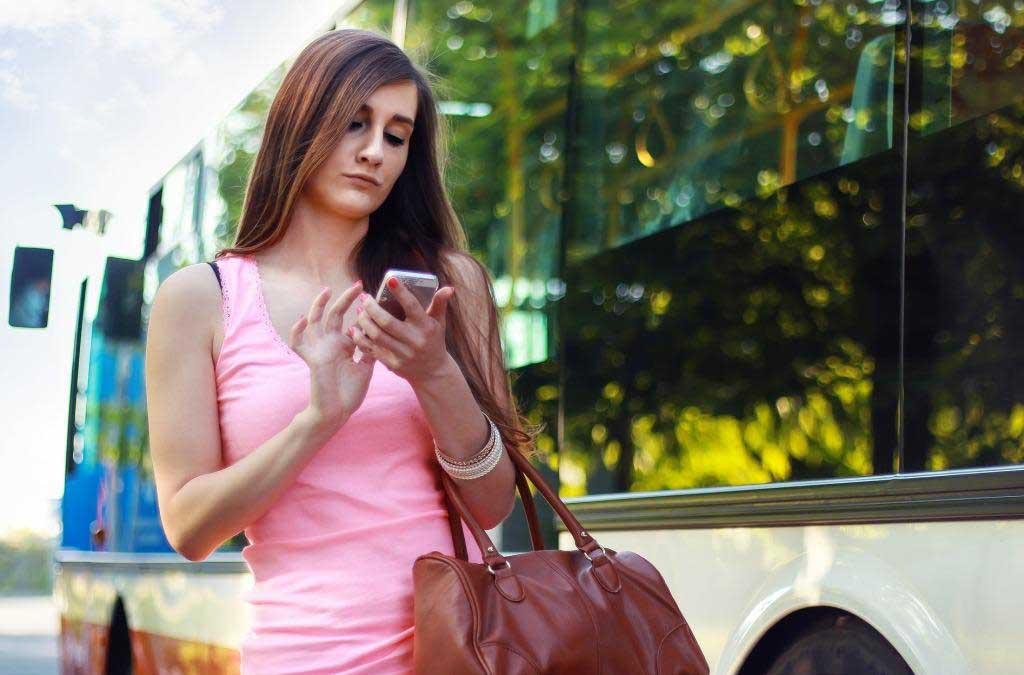 5 Aplikasi Kencan Terbaik Untuk Traveling