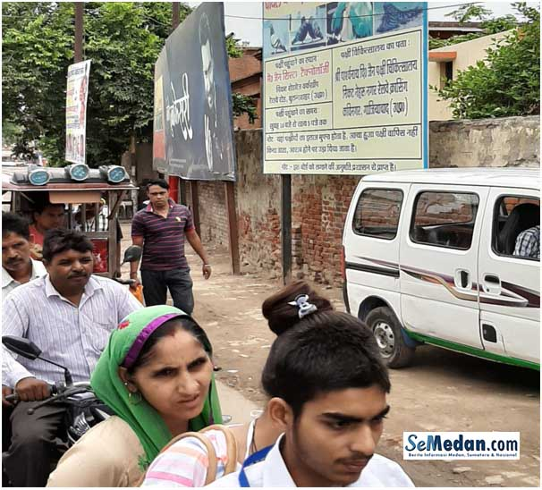 India Seberkas Fragmen Dalam Montase Jiwa