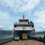 Kapal ferry penyeberangan dari ajibata parapat ke tomok pulau samosir